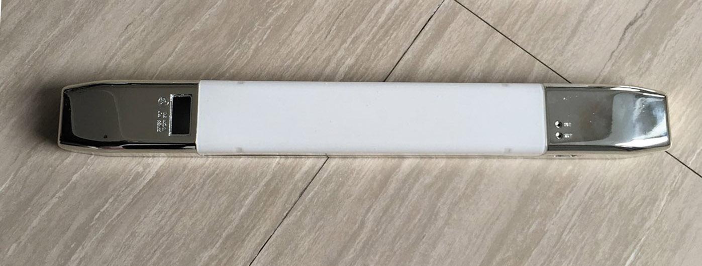 Knightsbridge White Dual Voltage Ip20 Bathroom Shaver: LED Bathroom Shaver Light